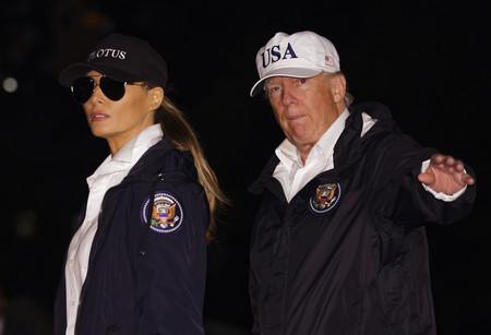 Es posible que no la vuelvas a ver así: Melania Trump con zapatillas deportivas
