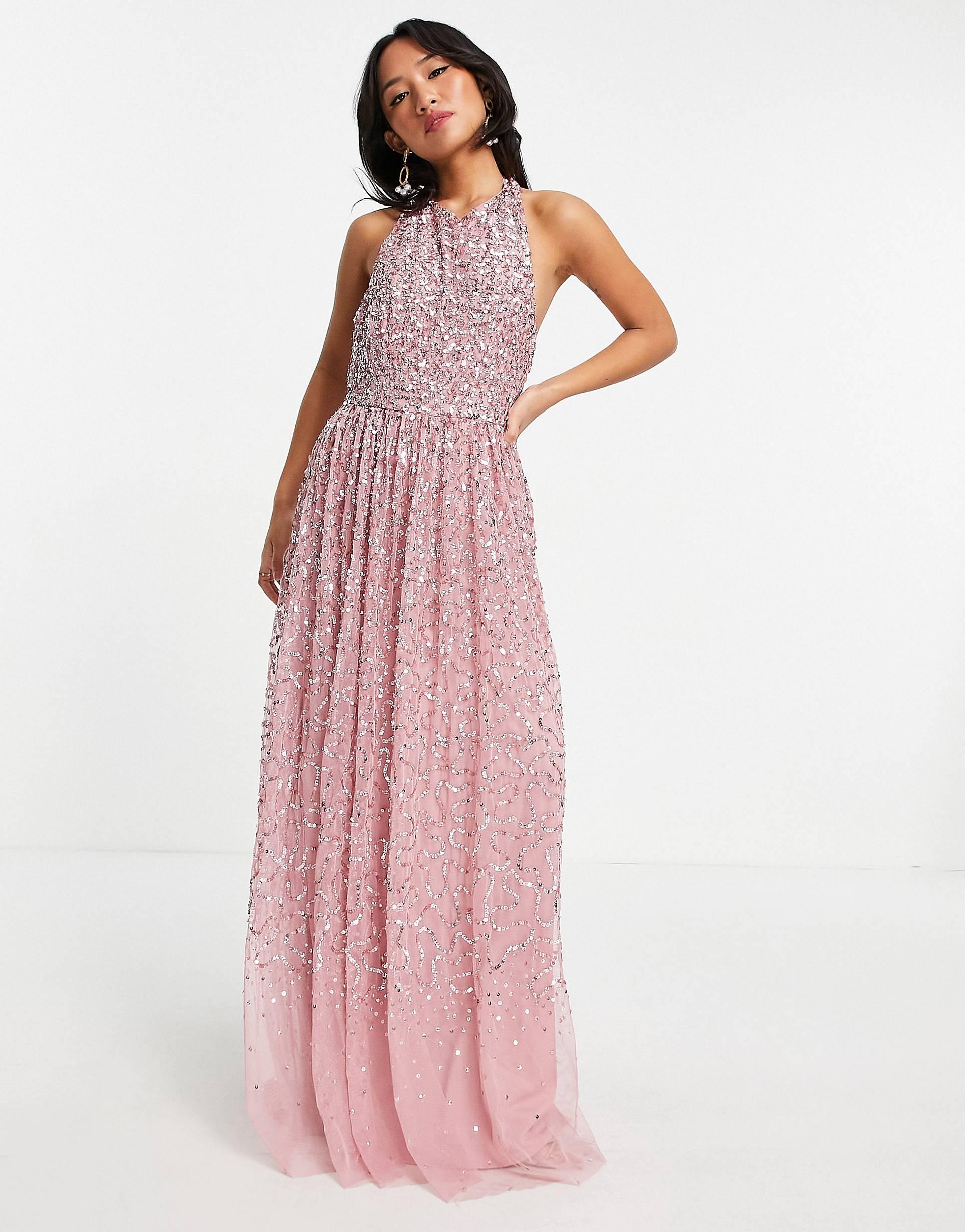 Vestido largo rosa con espalda abierta y cuello halter de Maya Petite.