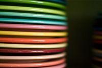 Según el color de la vajilla los alimentos tienen mejor sabor