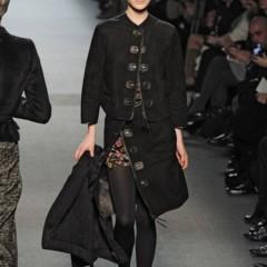 Foto 20 de 27 de la galería jean-paul-gaultier-otono-invierno-20112012-en-la-semana-de-la-moda-de-paris-el-lado-sexy-del-estilo-ladylike en Trendencias
