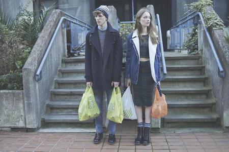 Pull & Bear propone looks para la vida cotidiana.