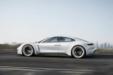 El Porsche Mission E contará con conducción autónoma y toda una gama de versiones