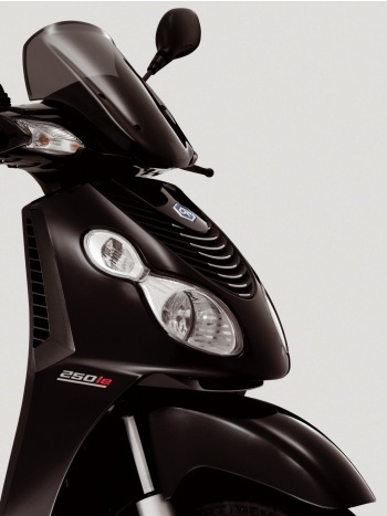 Piaggio Carnaby 250 ie