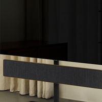 Bang & Olufsen presenta el Beosound Stage Floor Stand, un elegante soporte para colgar su barra de sonido acompañada de una tele