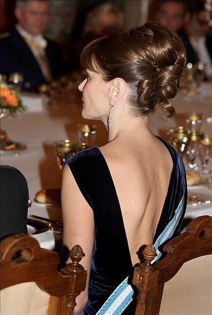 El look de gala de Carla Bruni en su visita a España