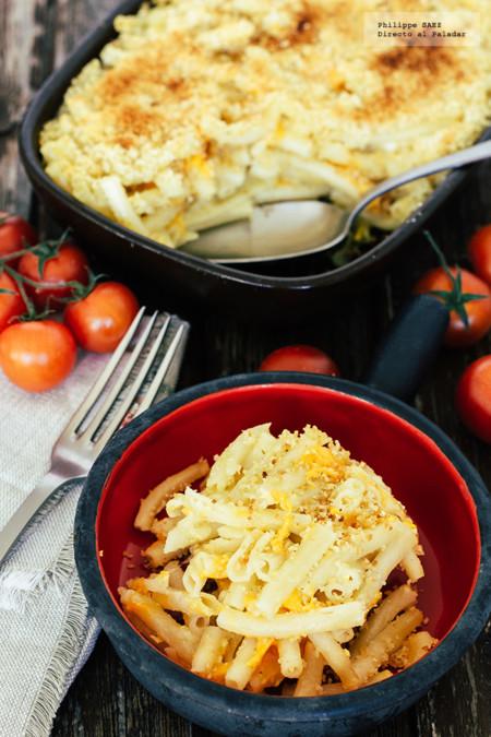 Macarrones horneados con queso. Receta para niños