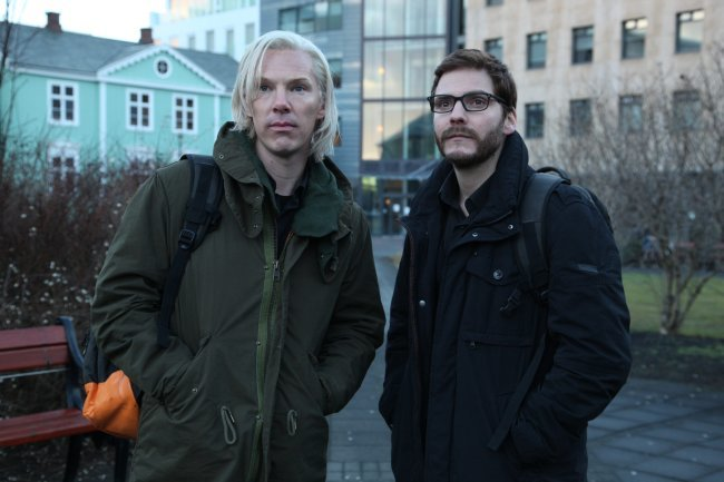 Benedict Cumberbatch y Daniel Brühl en The Fifth State