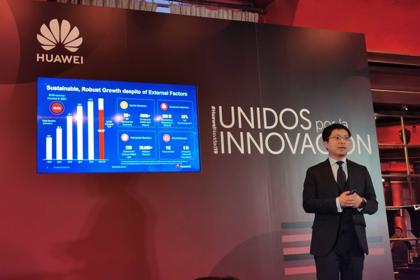 """Tony Jin Yong, CEO de Huawei España, sobre la posición de mercado de YouTube y WhatsApp: """"En Europa, ahora mismo, no hay alternativas"""