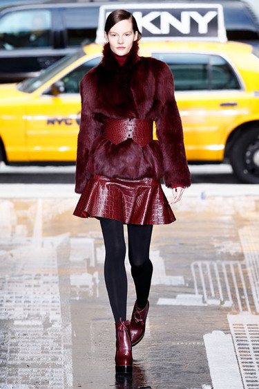 DKNY Otoño-Invierno 2012/2013: paseando de negro por Nueva York