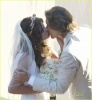 milla-jovovich-wedding-picture-04.jpg