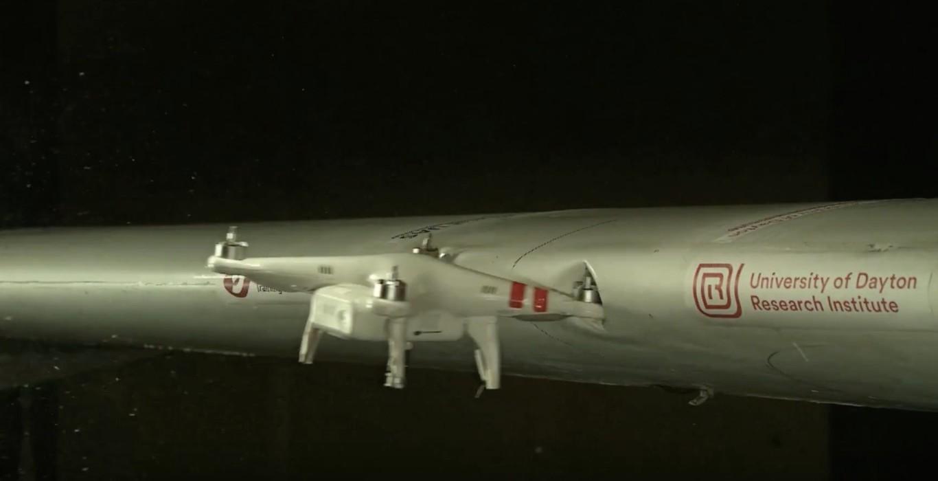 🛩 Comprobado científicamente: El choque entre un avión y un dron puede ser catastrófico