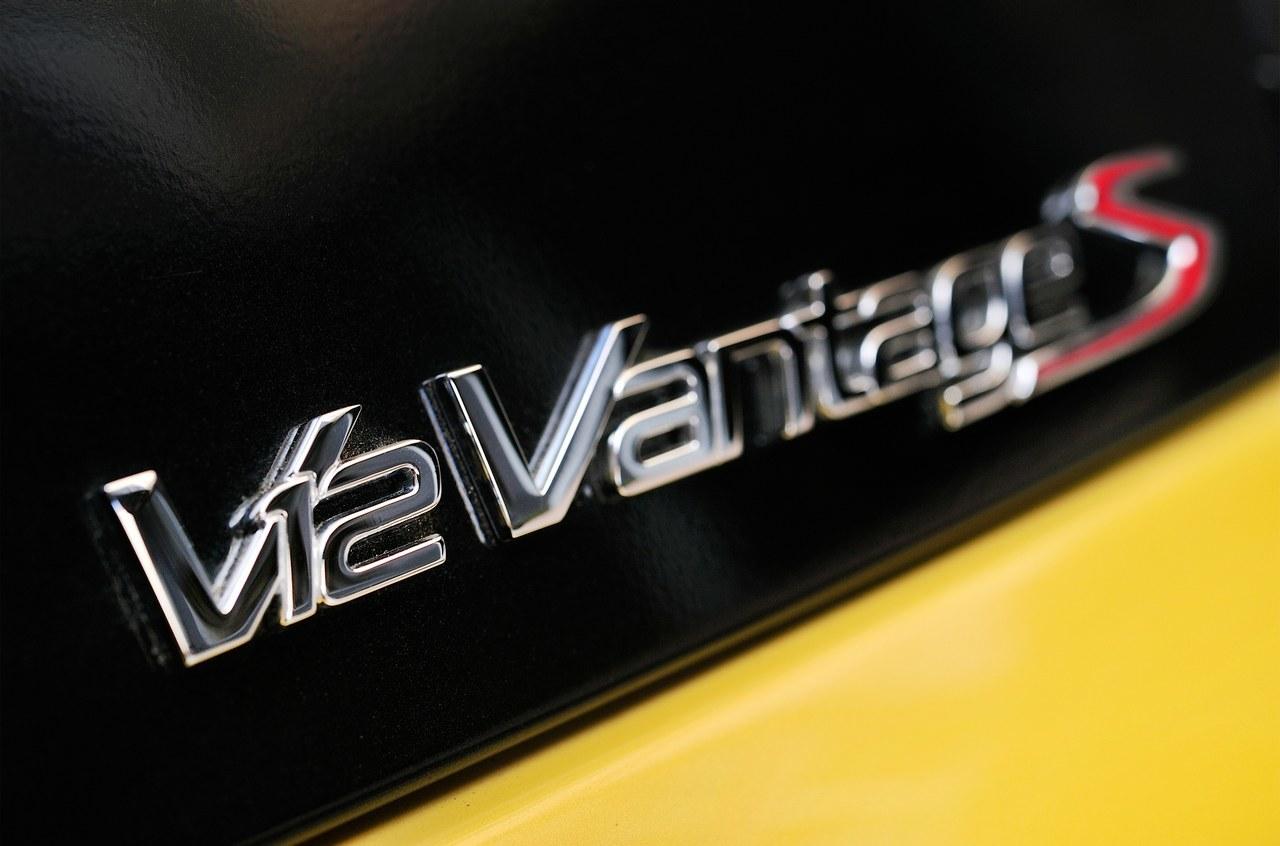 Foto de Aston Martin V12 Vantage S (27/34)