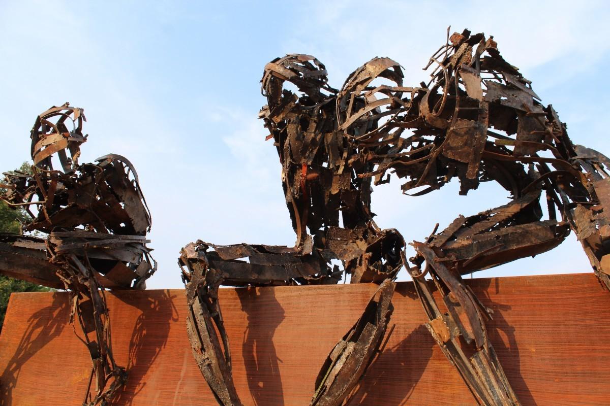 Dotar a las máquinas de voluntad de supervivencia las acercará a la 'IA fuerte' (y nos forzaría a adoptar leyes de la robótica)