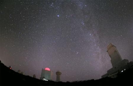 Viaje alucinante, espectacular timelapse astronómico