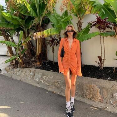 Clonados y pillados: el vestido de With Jéan que triunfó la temporada pasada ahora se encuentra en Pull & Bear y Stradivarius