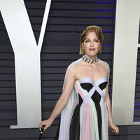 Selma Blair posa emocionada y con bastón en la fiesta Vanity Fair tras anunciar que sufre esclerosis múltiple