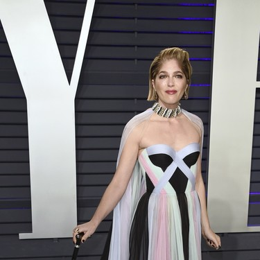 Selma Blair posa emocionada en la fiesta Vanity Fair tras anunciar que sufre esclerosis múltiple