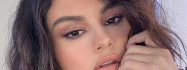 Selena Gomez se suma a la manicura estrellada, una preciosa tendencia que triunfa en las redes sociales
