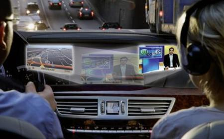 SplitView, doble pantalla para los Mercedes Benz