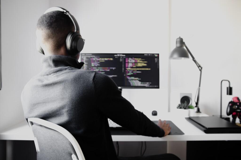 """El """"no code"""" va ganando importancia en la inteligencia artificial: una tendencia que permitirá usar y entender la IA a más gente"""