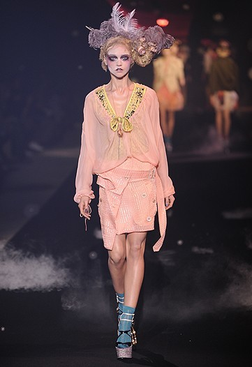 Foto de John Galliano, Primavera-Verano 2010 en la Semana de la Moda de París (8/14)