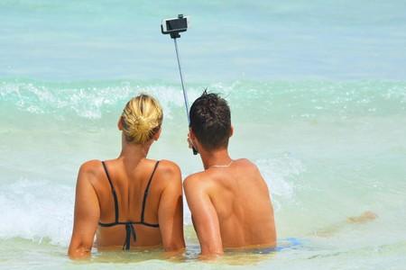 Cómo reflejar o 'espejar' los selfies en el iPhone con iOS 14
