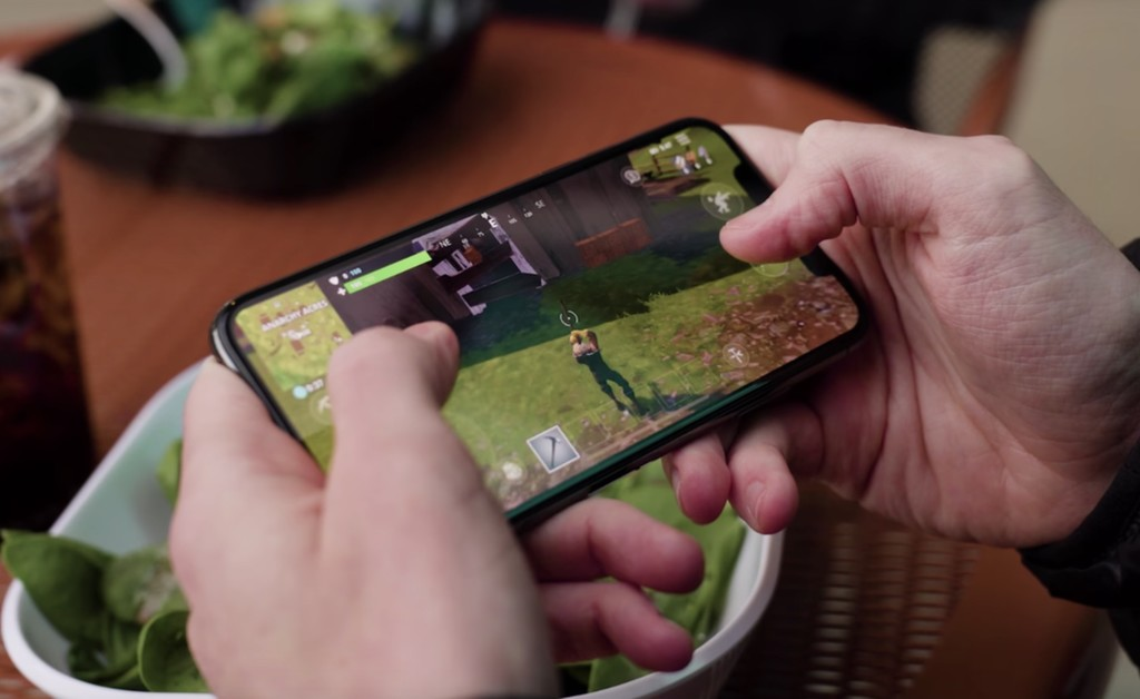 Apple no está obligada a devolver (por ahora) Fortnite a la App Store, pero no podrá restringir la cuenta de Epic, según la jueza