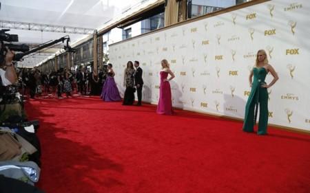 Premios Emmys 2015: la alfombra roja al completo, ¿con quién te quedas?