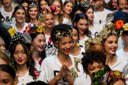 """La """"abbondanza"""" de Dolce&Gabbana brilló en su colección primavera-verano 2017"""