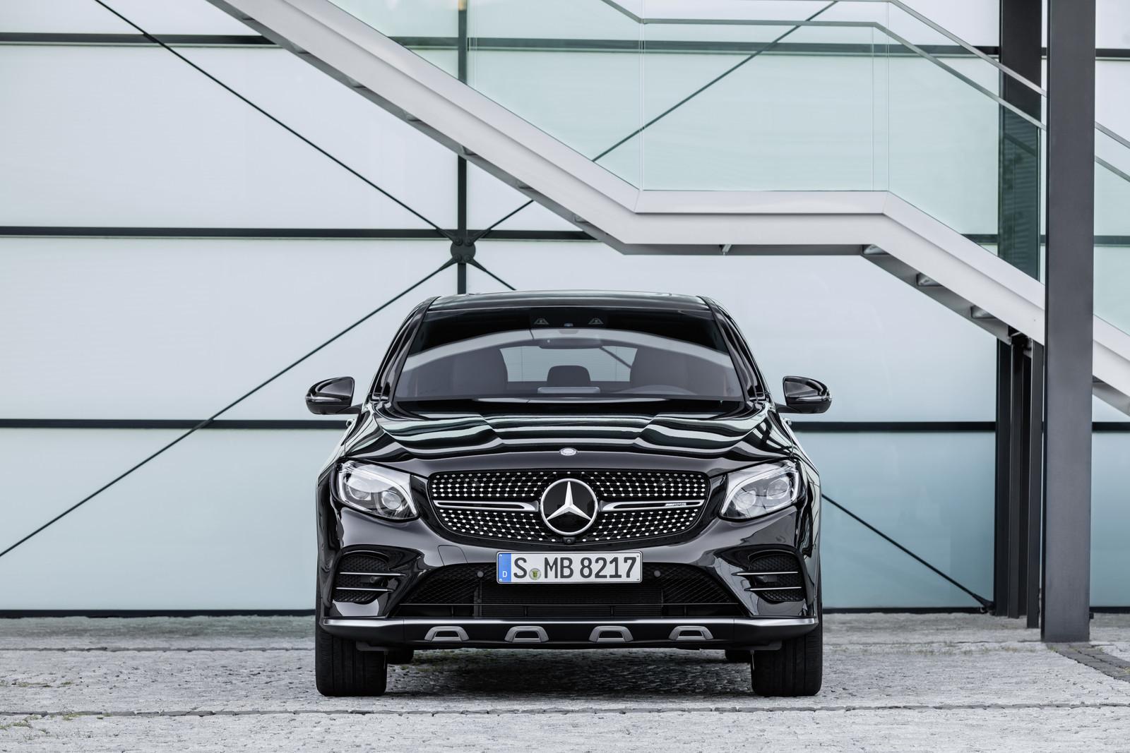 Foto de Mercedes-AMG GLC 43 4MATIC Coupé (12/24)