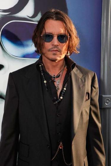 ¿En qué idioma nos tiene que decir Johnny Depp que no se separa de Vanessa Paradis?