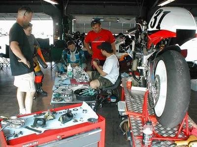 Mecánica básica, el motor de dos tiempos explicado