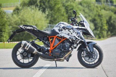 2016 Ktm 1290 Super Duke Gt Teaser 04