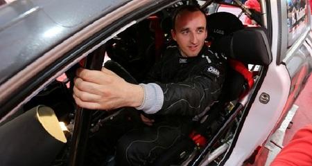 Robert Kubica abandona por accidente a dos tramos del final. Valentino Rossi más líder en Monza