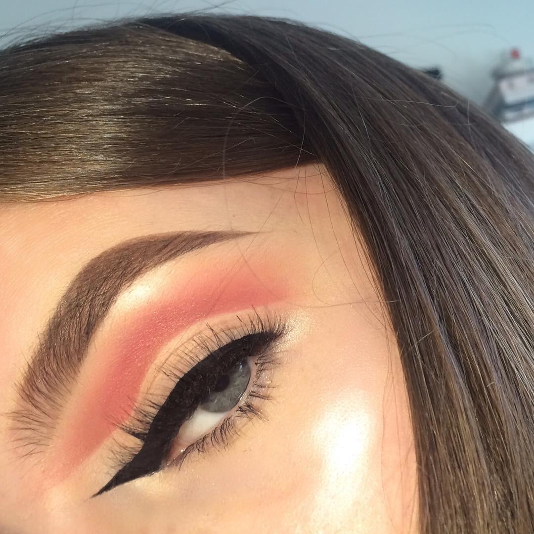 El eyeliner opuesto cambia la dirección de tu raya, ¡todo un ...