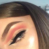 El eyeliner opuesto cambia la dirección de tu raya, ¡todo un efecto óptico en nuestra mirada!