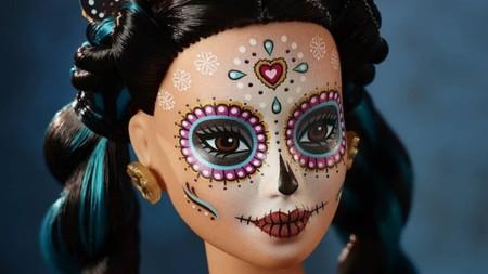 La Barbie Día de Muertos ya se vende en México, y entre halagos y críticas, este es su precio