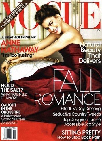 Anne Hathaway vuelve con una portada ladylike para Vogue
