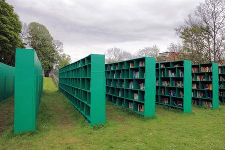 Bookyard, la biblioteca pública de Massimo Bartolini entre viñedos para Track