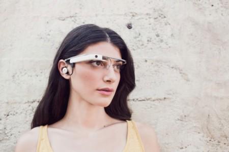 Así son las nuevas Google Glass, con auricular incorporado