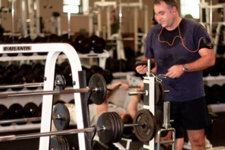 Cuatro errores que te impiden aprovechar al máximo el tiempo en el gimnasio