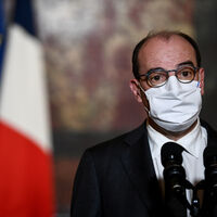 Adiós a la discriminación por acento en Francia: una nueva ley pondrá penas de hasta tres años de cárcel