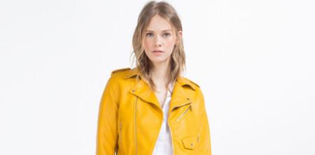 Esta es la biker amarilla de Zara que está revolucionando internet: ¿la amas o la odias?