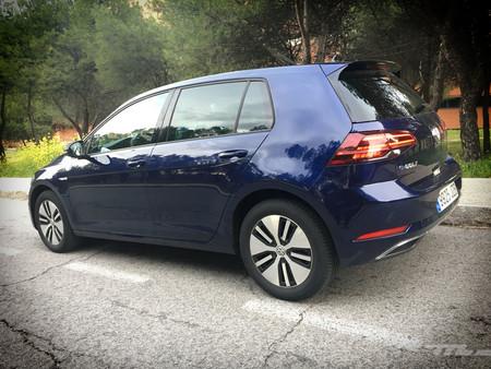 Volkswagen e-Golf trasera