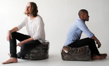 ¿Buena o mala idea?: pufs hechos con pelo humano
