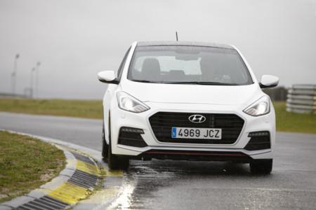 Así se mueve el Hyundai i30 Turbo en vídeo