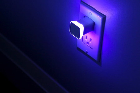 Aumi Mini, una sencilla luz que te notifica visualmente eventos en tus aplicaciones y dispositivos