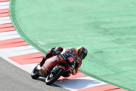 Gabriel Rodrigo domina el viernes de Moto3 ante un público que ha vuelto a las gradas de Barcelona-Catalunya