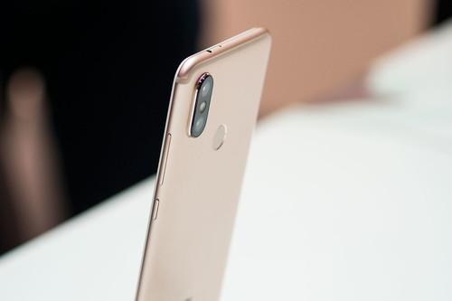 Xiaomi Mi A2, primeras impresiones: así es la experiencia con el que aspira a móvil ganga de 2018