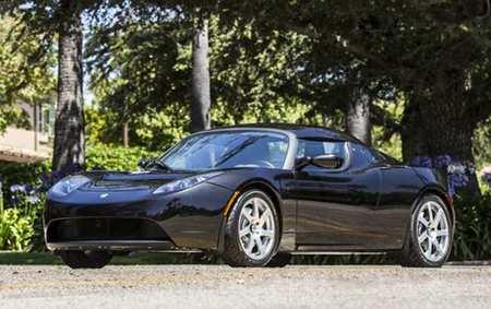 Tesla Roadster de George Clooney a subasta